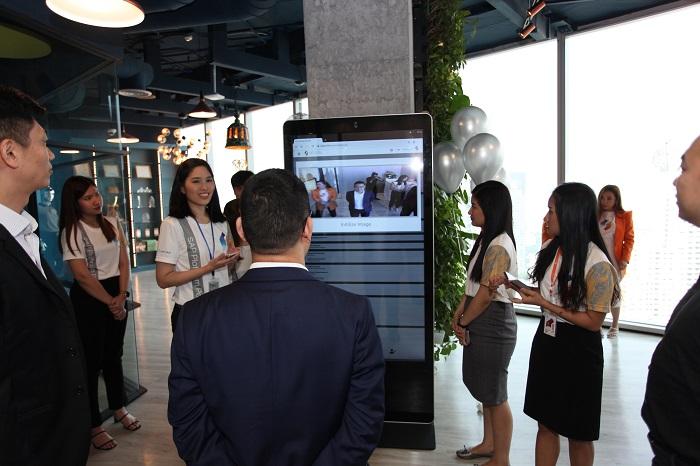 ภาพบรรยากาศการใช้งาน Face Recognition เพื่อลงทะเบียนเข้าร่วมงาน Netizen Platinum Day