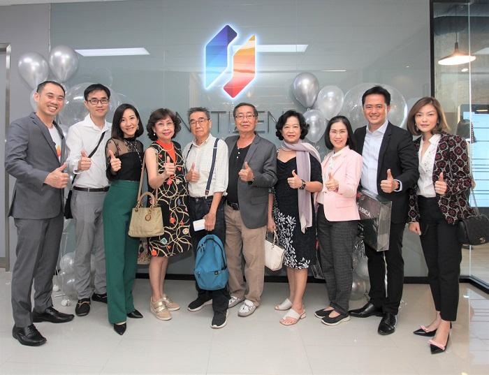 KT Optics และ SNN Leasing Co.,Ltd ร่วมแสดงความยินดีและร่วมเฉลิมฉลองให้กับ Netizen ภายในงาน Netizen Platinum Day