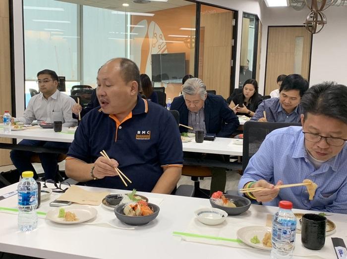 ภาพบรรยากาศภายในงาน Omakase IT Talks เสิร์ฟทั้งอาหารและความรู้ให้กับผู้เข้าร่วมงาน