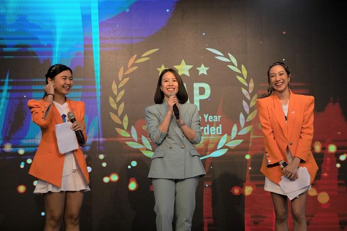 คุณสุชาดา เอี่ยมจุฬา, SAP business bydesign, Channel Sales Manager for Indo China ร่วมแสดงความยินดีกับรางวัล SAP Partner of the Year 2019